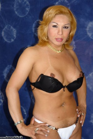 Edmonde curvy escorts in Santa Paula